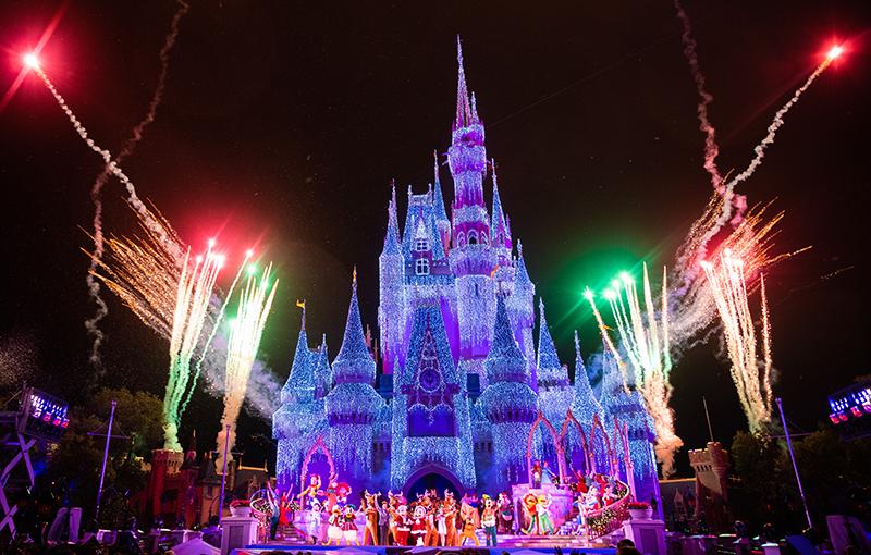 Disney Mickeys Very Merry Christmas Party 2021 Will Disney Cancel Mickey S Very Merry Christmas Party Disney Tourist Blog