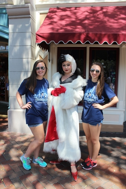 Cruella De Vil Town Square Main Street Disneyland Vacation
