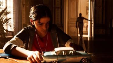 Far Cry 6 Diego joue avec une voiture lorsque son père arrive