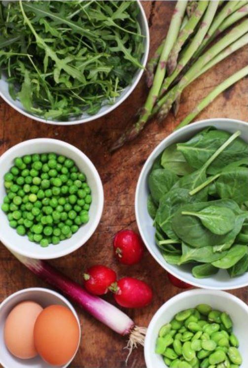 ingredienti crudi insalata