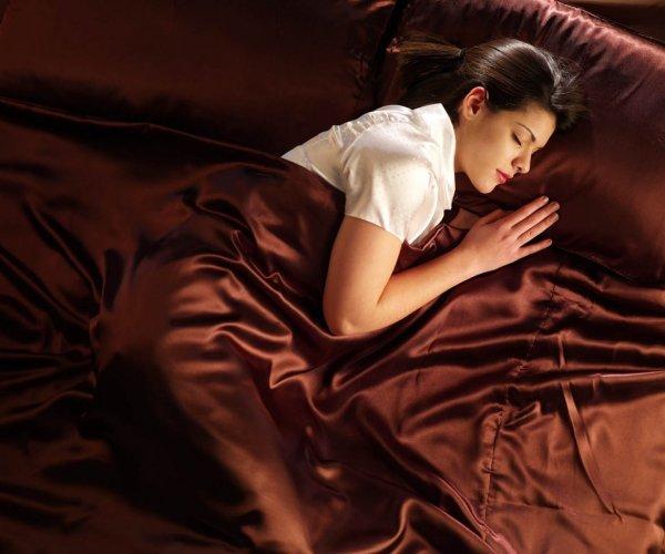 Distinctive's Sleepeazy Unisex fragrance