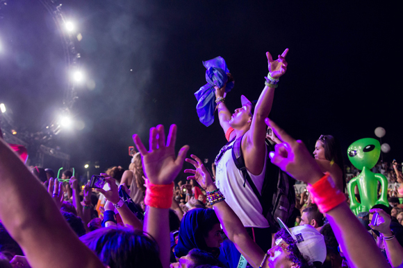 ultra_crowds_rz_-12