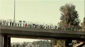 """Riots surround Los Angeles freeways in """"The People vs. O.J. Simpson""""  Photo from FX"""