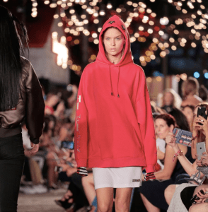 Josephine Skriver was one of the last models to walk the show. She is wearing one of the trendiest pieces in the collection: oversized sweatshirt.