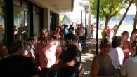 Los vecinos aguardan la llegada del funcionario provincial frente a la Delegación donde de acuerdo a lo trascendido ingresaran unaspocaspersonas para reunirse con él, luego que recorra los sectores más […]