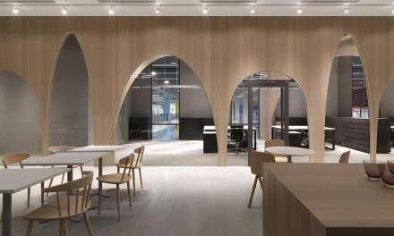 Oficinas H&M Taiwan de JC Architecture, el claustro como espacio de diálogo