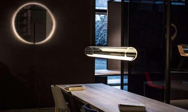 Guise de Vibia, explora la relación entre la luz y la transparencia.