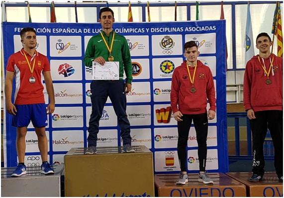 Héctor Blanco bronce en lucha grecorromana