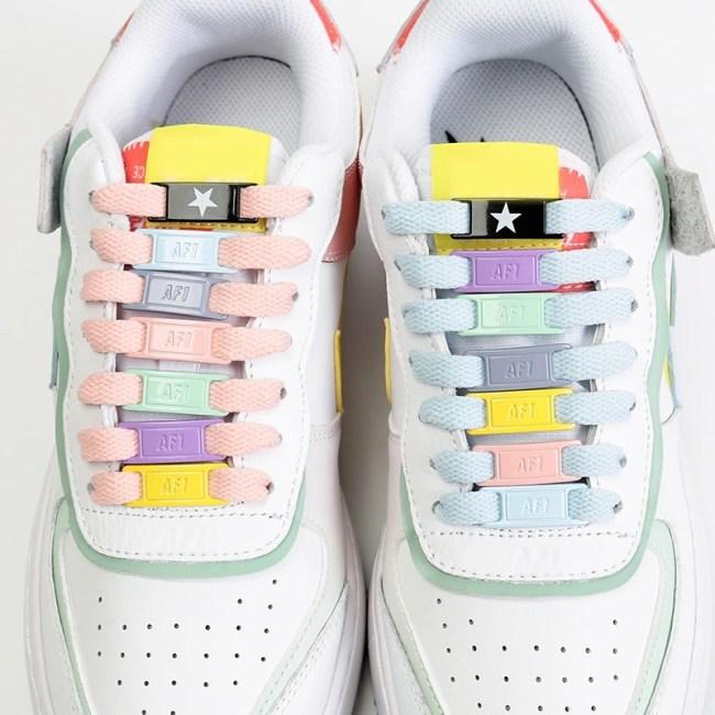Hebillas personalizadas para los cordones de tus zapatillas 1