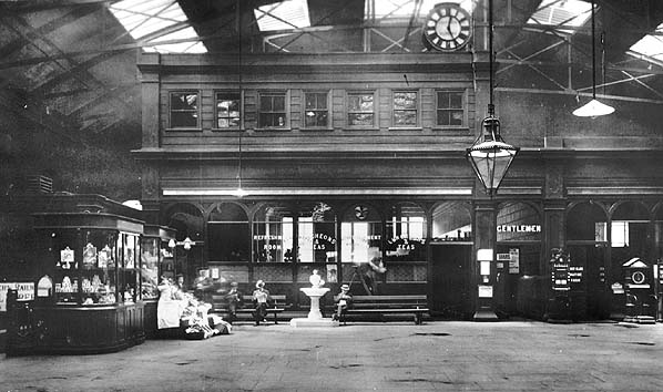 http://www.disused-stations.org.uk/f/fenchurch_street/fenchurch_street(c.1905alsop)old2.jpg
