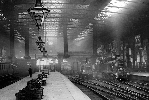 http://www.disused-stations.org.uk/f/fenchurch_street/fenchurch_street(c.1905alsop)old3.jpg