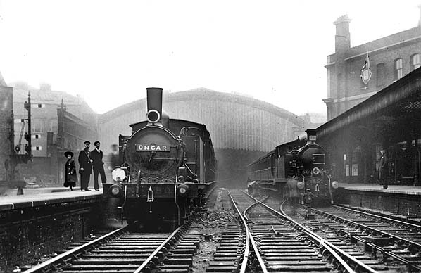 http://www.disused-stations.org.uk/f/fenchurch_street/fenchurch_street(c.1905alsop)old4.jpg