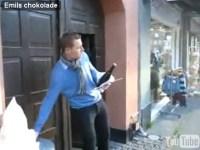 Emil åbner Champagne