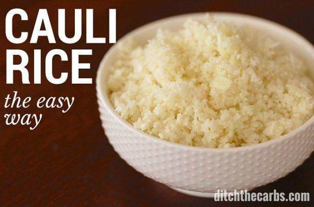An absolute low carb staple. Pin for later. How to make cauliflower rice, the easy way. Follow this recipe for a simple way to make cauliflower rice. You can adapt and flavour cauliflower rice any which way you like. | ditchthecarbs.com