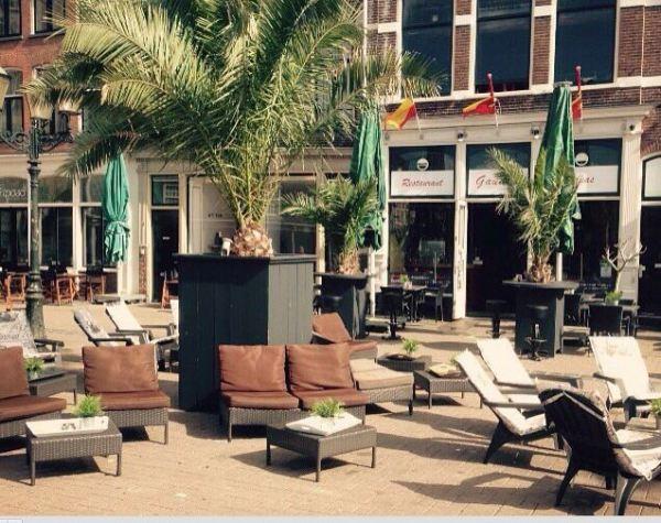 Het heerlijke terras van Gaudi´s op de Hof van Amersfoort