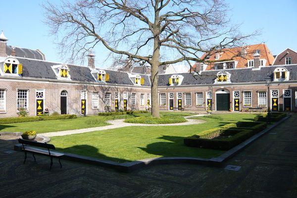 Een van de hofjes van Haarlem