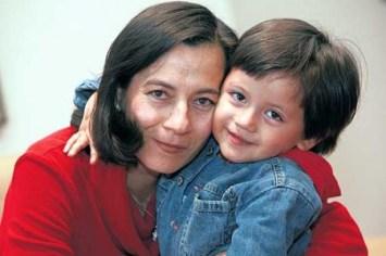 Clara Rojas y su hijo Emmanuel