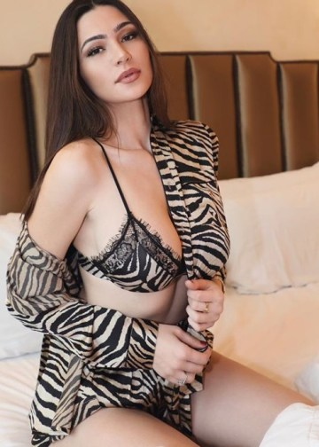 Joya hotel bedroom Amsterdam Escort