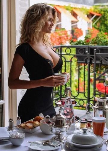 Nina good morning blonde escort amsterdam