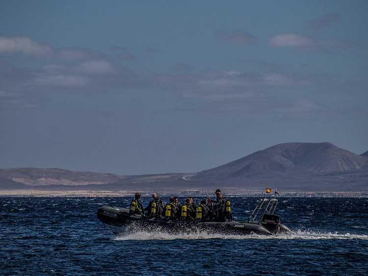 Boat dives, diving, Dive College Lanzarote, Playa Blanca
