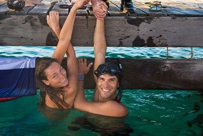מרינה וקרלוס - שיאני העולם בשחיה בנשימה אחד