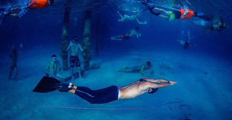 שיא העולם בשחיה בים פתוח בנשימה אחת