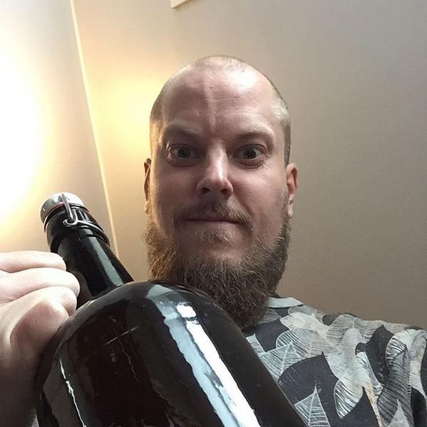 Amund Polden Arnesen håper oppdagelsen skal gi nye verktøy for øl-bryggere.