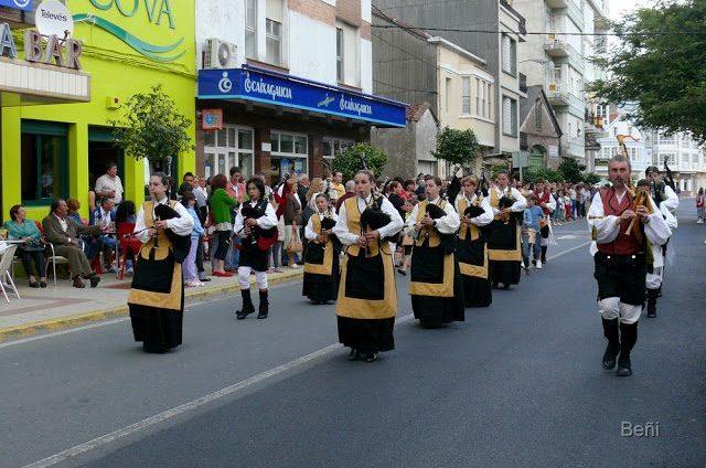 gaiteiras en la procesion de la virgen del carmen
