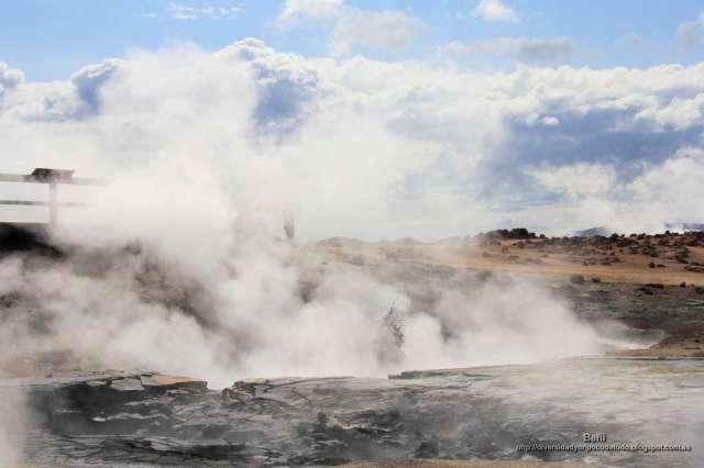 Pozos de lodos o barros hirvientes en Namafjall y Hverir (Islandia)