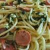 Espaguetis con salchichas.