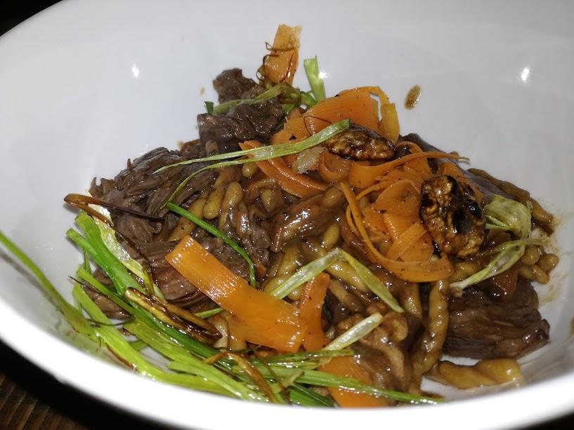 Trofie con verduras en salsa de soja