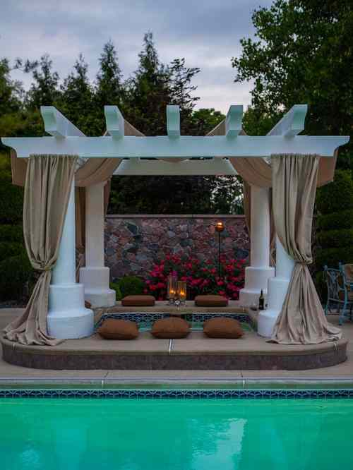 15 Most Mesmerizing And Super Cozy Hot Tub Cover Ideas