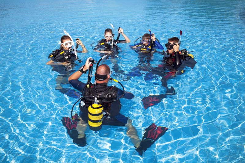 Can you scuba dive if you can't swim? - Ummi Goes Where?