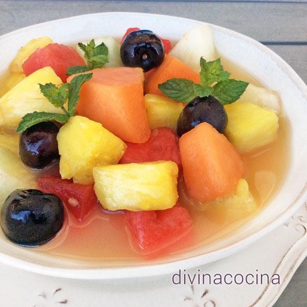 sopa de frutas
