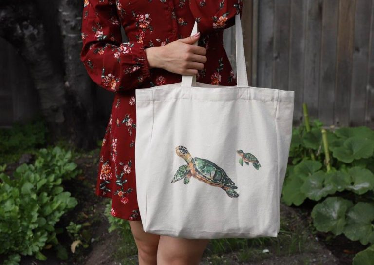 2-cotton-tote-bag-with-pocket-lifestyle-turtle-with-baby-net-zero-co