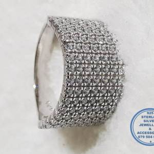 925 Sterling Silver Ring Super Statement Showstopper with cubic Zirconia in 7 rows ontop of ring- WOW