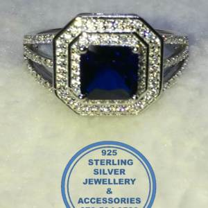 925 Sterling Silver Cubic Ring with Blue detail