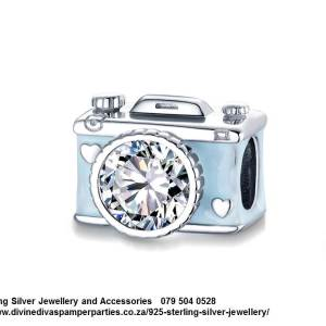 925 Sterling Silver Blue Enamel and Cubic Detail Camera Charm. Pandora Compatible