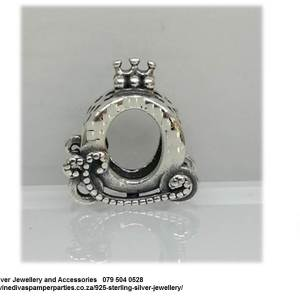 925 Sterling Silver Queen Carriage Charm. Pandora Compatible