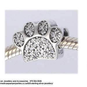 925 Sterling Silver Cubic Detail Paw Prints Charm Bead. Pandora Compatible