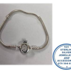 925 Sterling Silver Bracelet with Magestic O Crown CZ Cubic Large Clasp. Pandora Compatible