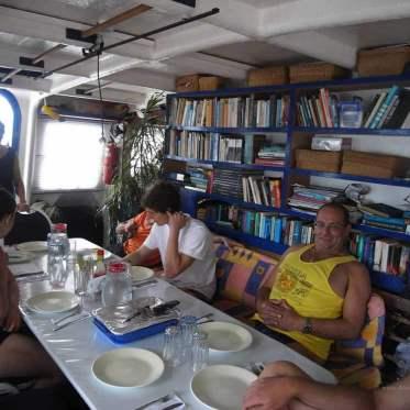Essen auf der Inula in Malpelo