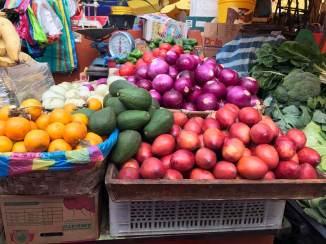 Frisches Gemüse am Foodmarket in Cuenca