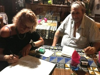 Schreibe ins Gästebuch
