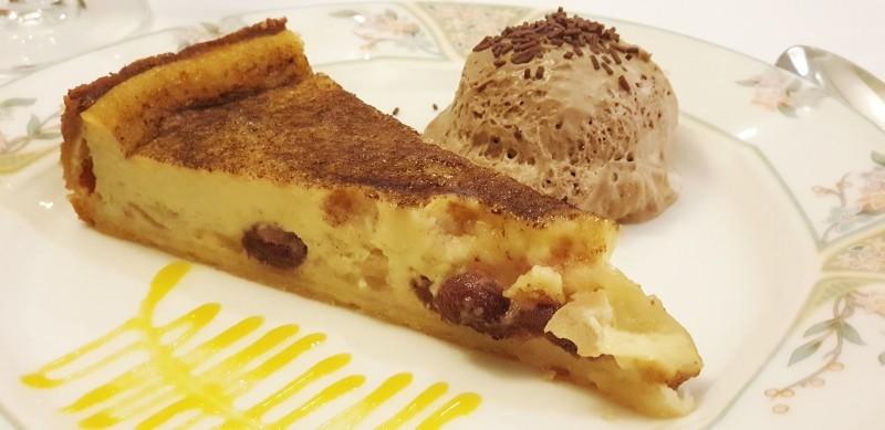 Tarta de manzana con mousse de chocolate de Mendaro
