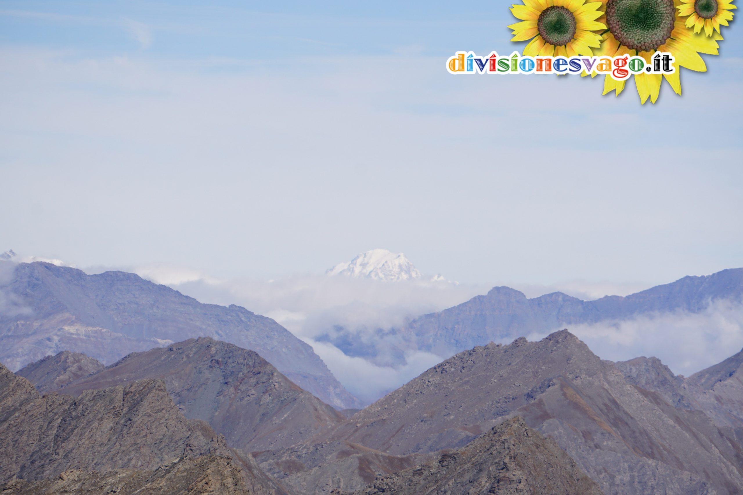 Monte Bianco tra le nuvole