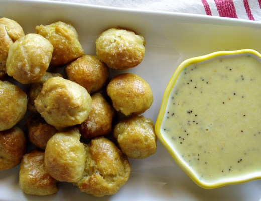 Pretzel Bites with Everything Bagel Cheese Dip
