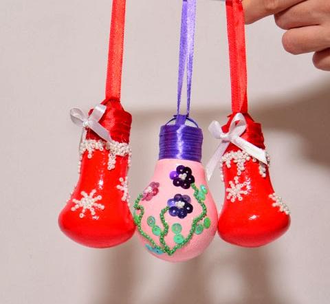 diy-christmas-ornaments-light-bulbs-glued-beads-sequins