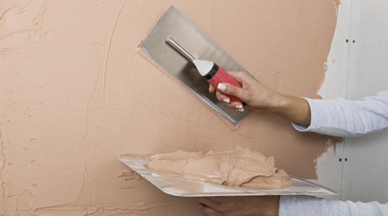 apply undercoat plaster