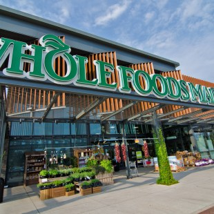 Whole Foods invests in Instacart at 2014 valuation